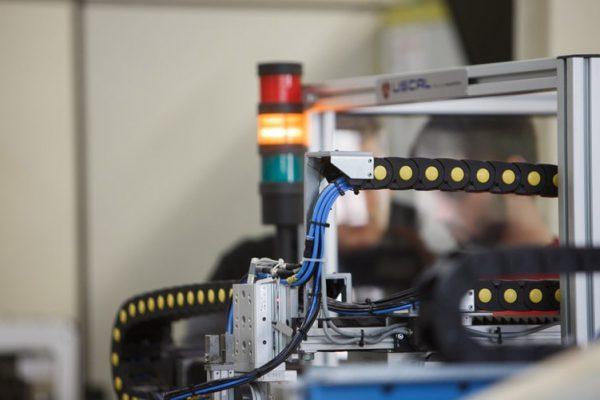 Oferta educativa automatización robótica industrial Donibane