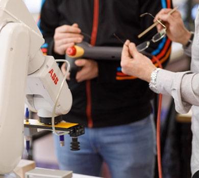 Oferta educativa automatización robotica industrial Donibane