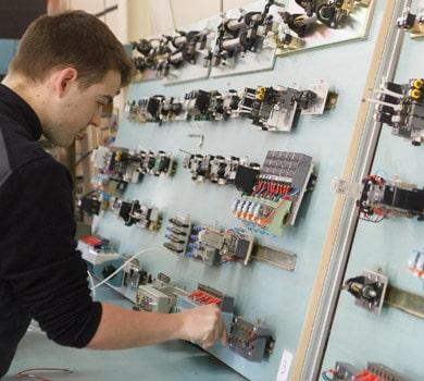 oferta-educativa-tecnico instalaciones electricas automaticas Donibane